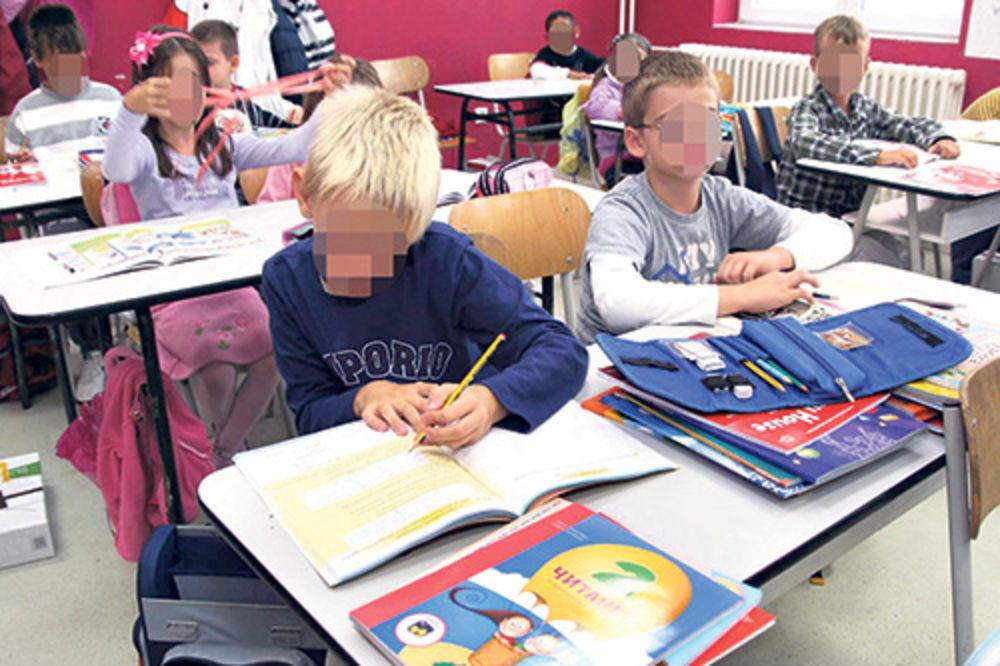 PAUNOVIĆ: Kompletni udžbenici za nacionalne manjine u novoj školskoj godini