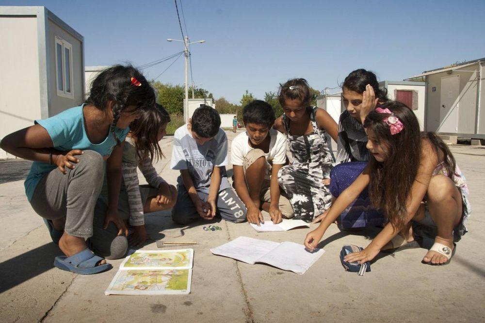 romi, škola, mali romi, beta