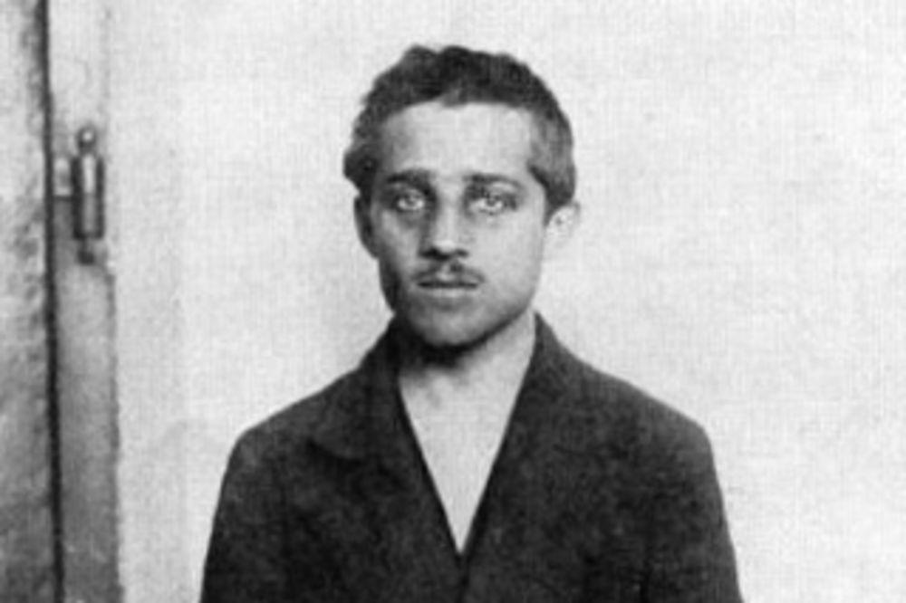 RUSI PROMENILI ISTORIJU: Gavrilo Princip je terorista!