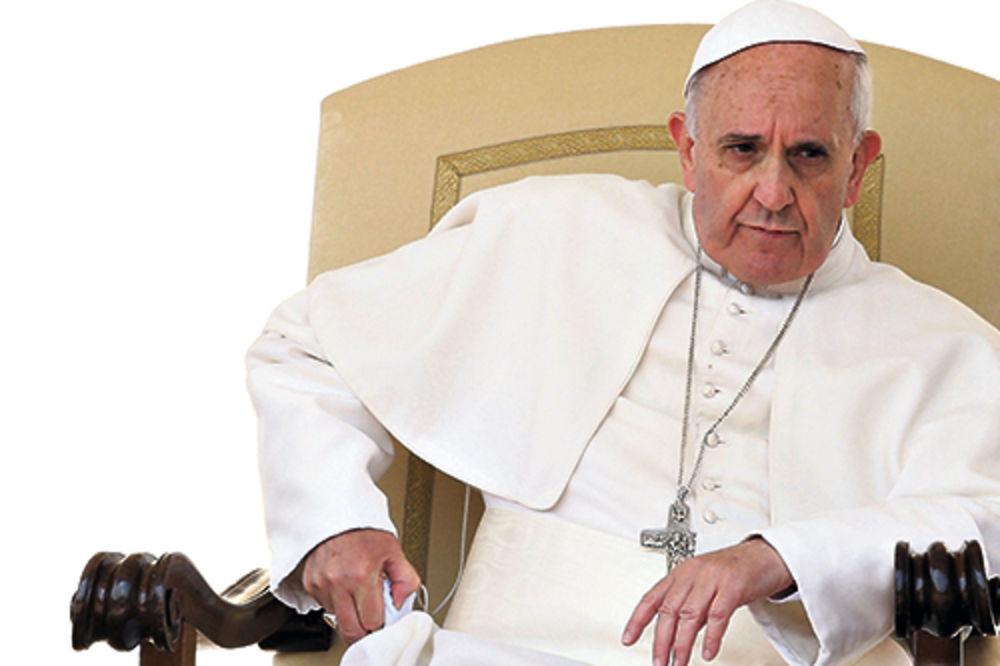 HOĆE LI DA GA ŽULJA: Papa dolazi, a muslimani mu prave stolicu