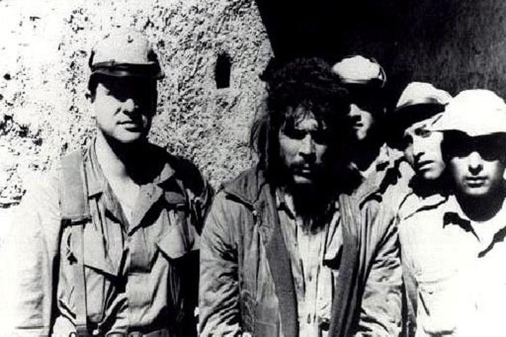 General Prado i Če Gevara: Lovac i plen