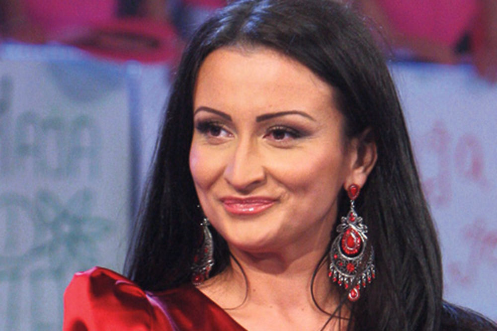 ĐAVO U NARODNJAČKOJ VERZIJI: Poslušajte kako zvuči kada Andreana Čekić peva pesmu Ane Nikolić