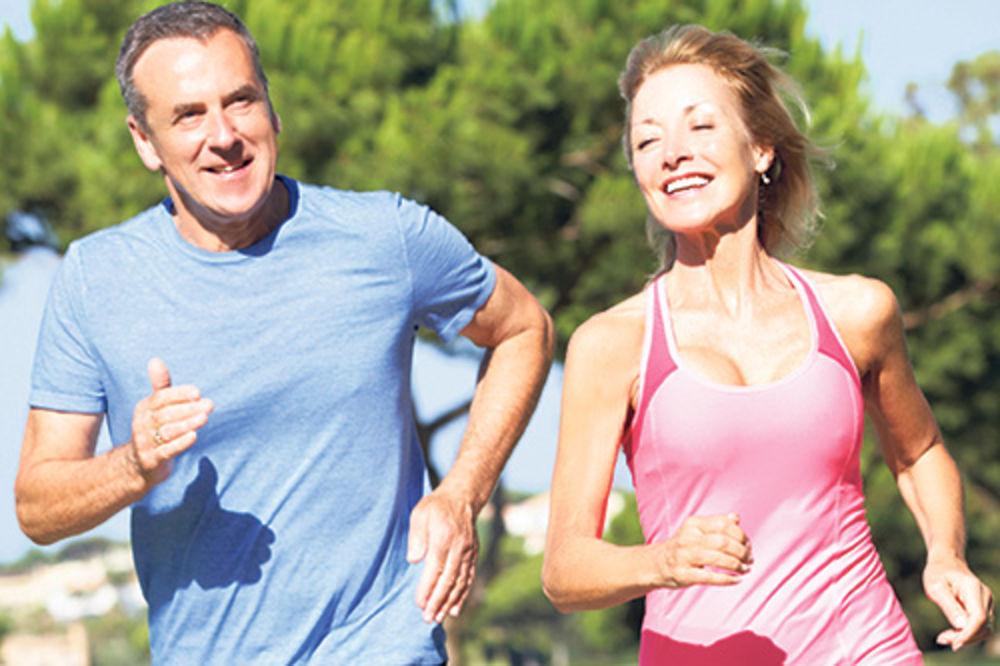 PEŠAČITE: Svakodnevno kretanje zdravije od napornih treninga
