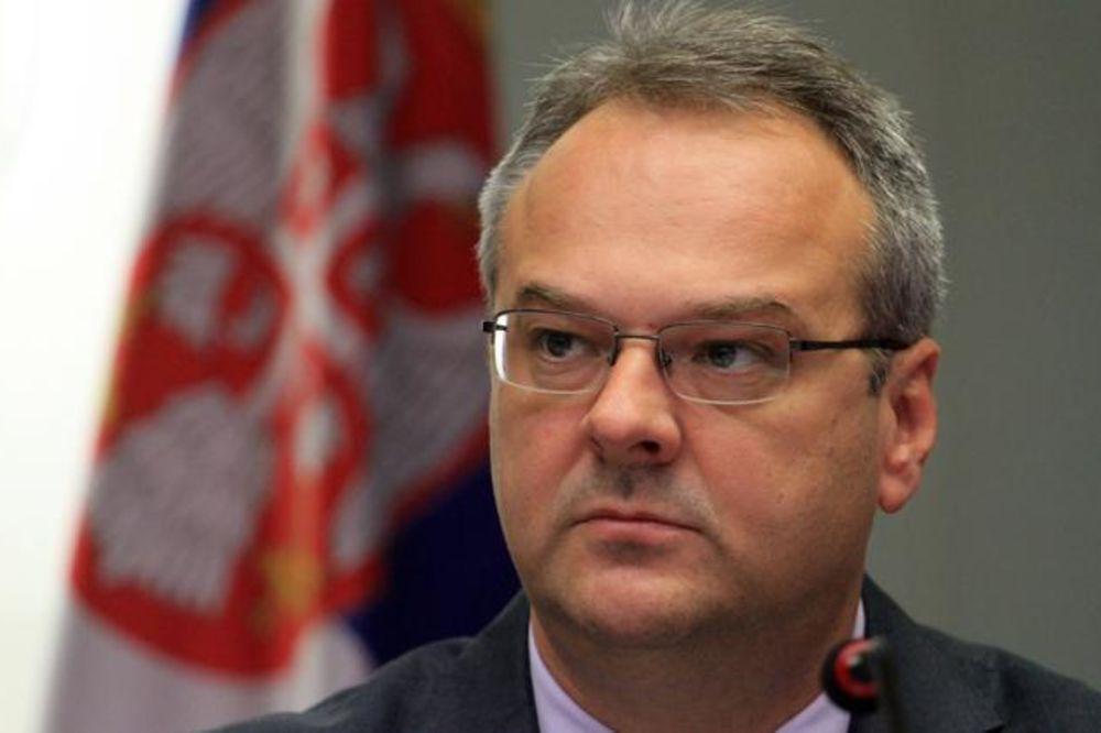 Sertić: Vučić i Vujović u ponedeljak o smanjenju plata i penzija!