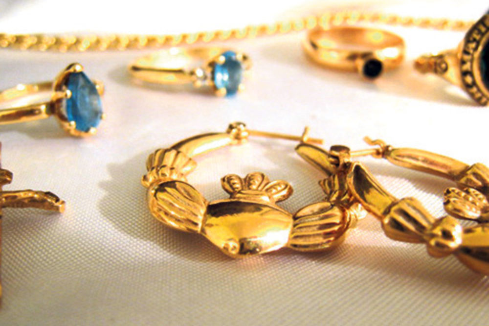 Žrtve poslale prevarantima 9,2 grama zlata