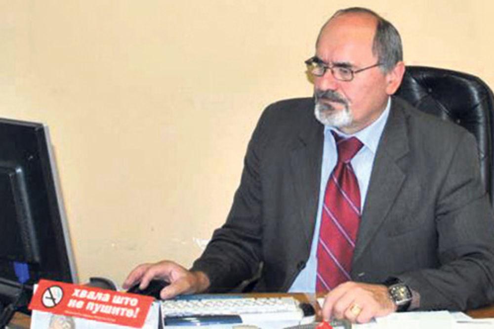 dr Milan Višnjić, Medicinski fakultet, oštetio fakultet