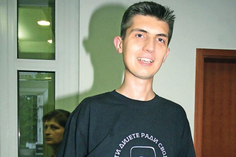 OSLOBOĐEN MLADEN OBRADOVIĆ: Vođa Obraza nije kriv po optužbi za sprečavanje Parade ponosa