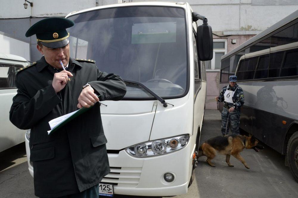 NAZVALI JE TERORISTIČKOM DRŽAVOM: Vozačima sa litvanskim tablicama zabranjen ulazak u Rusiju