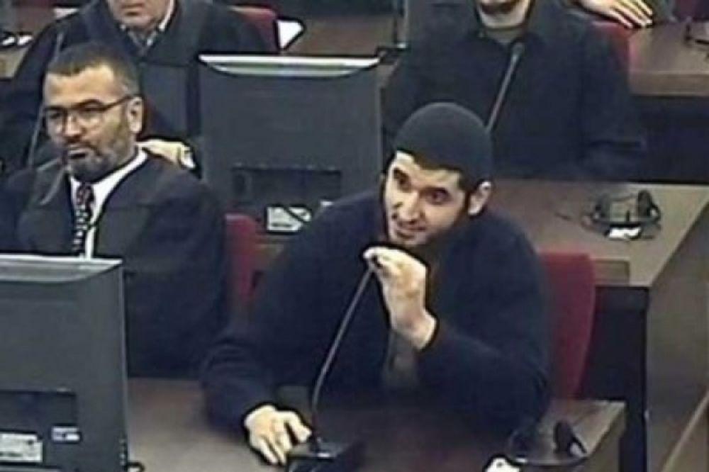 SLUČAJ MEVLID JAŠAREVIĆ: Pre tri godine napao ambasadu, a danas u zatvoru pravi olovke!