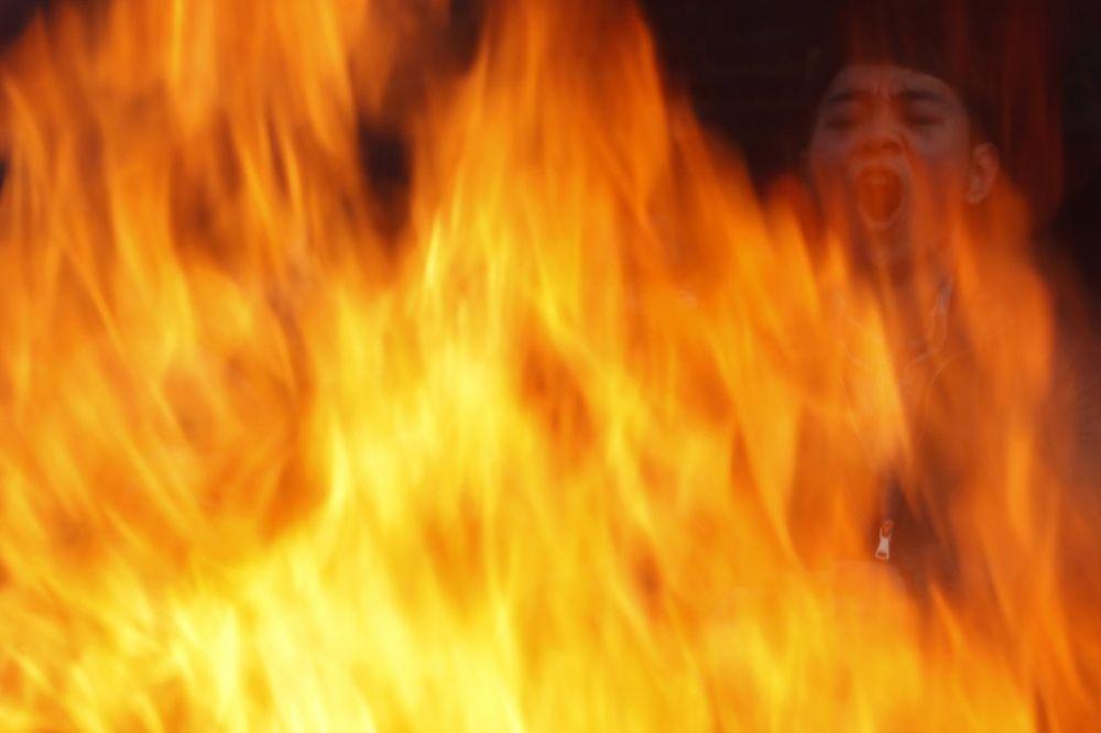 SPLIT U PLAMENU: Veliki požar na Poljudu, materijalna šteta velika