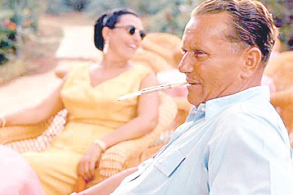 MARŠALOV LIČNI LEKAR: Tito nije bio Josip Broz, nije se odvajao od kožne tašne!