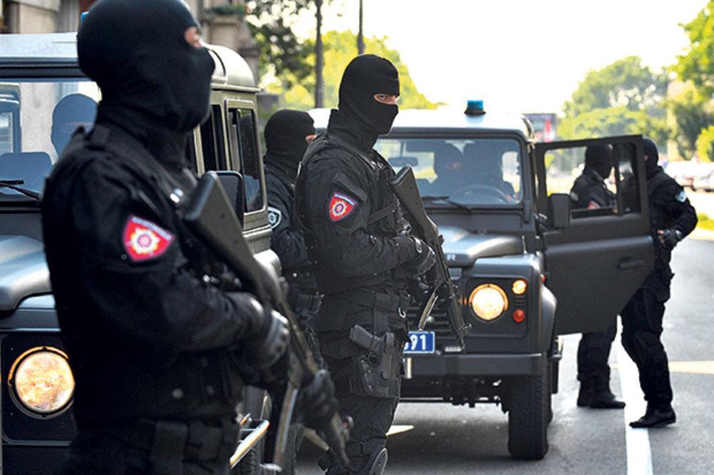 NEDODIRLJIVI NARKO-DILER: Ubica policajca, pripadnik albanske mafije pušten na slobodu s nanogicom!