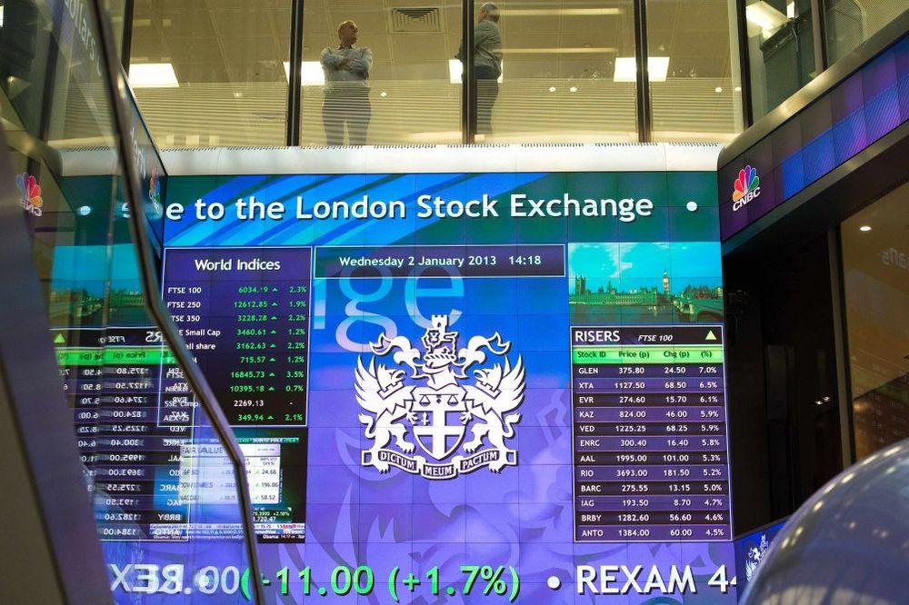 Britanija prodaje još akcija Lojds banke