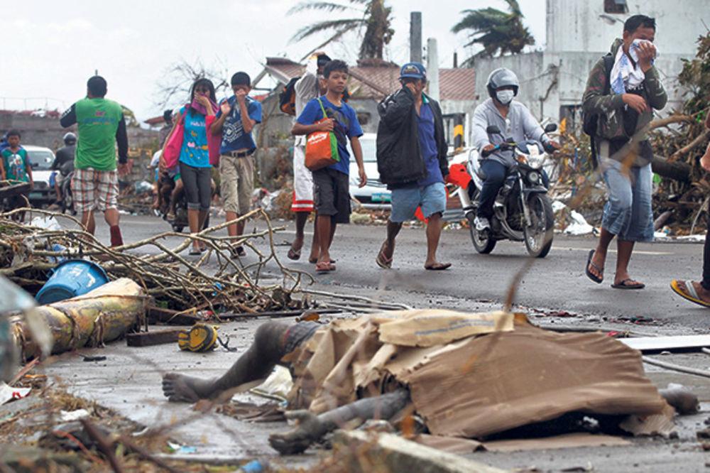 EVAKUISANO 100.000 LJUDI NA FILIPINIMA: Stiže tajfun, očekujemo najgore!