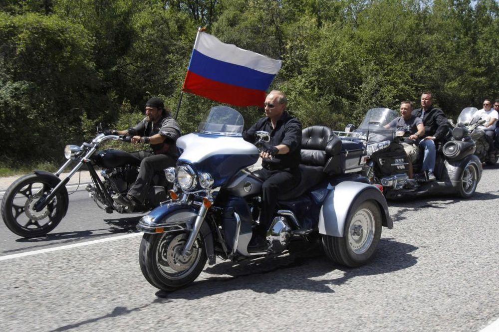 RUSKO PROLEĆE: Putinovi Noćni vukovi krenuli na Krim