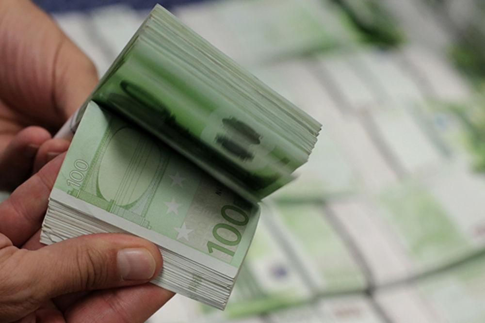 Batinama tražio 1.500 evra, pa završio u policiji