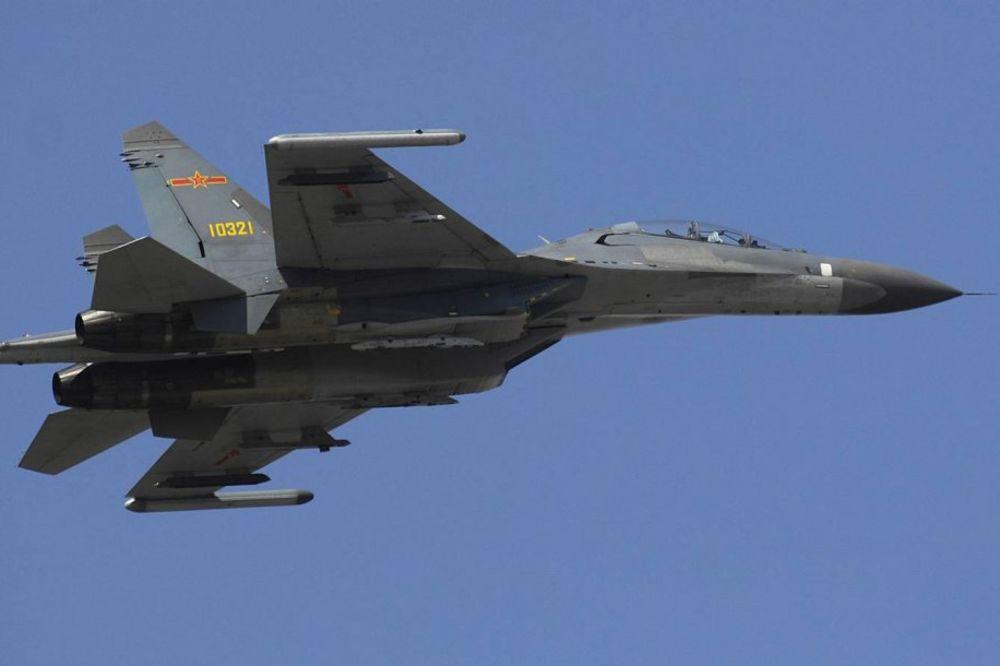 I PEKING POKAZAO MIŠIĆE: Kina prvi put digla ratne avione nad Pacifik
