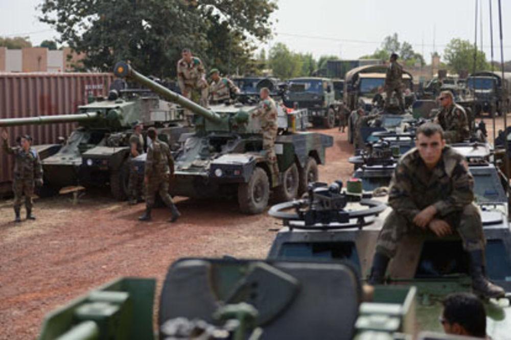 NA GRANICI RUSIJE: Francuska šalje tenkove u Poljsku!