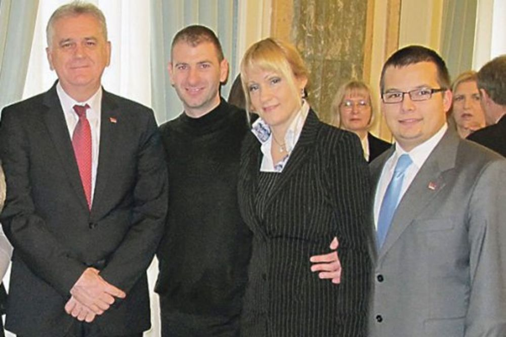 Dobro se razumeju... Simo Čulić sa predsednikom i kolegama