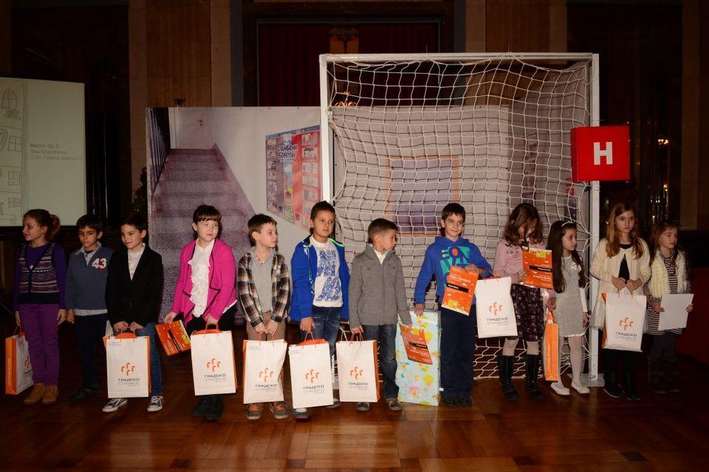 BEOGRAD: JP Gradsko stambeno tradicionalno dodelilo nagrade školarcima