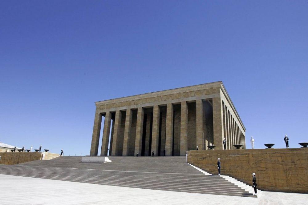 Мauzolej Ankara-ataturk-mauzolej-rojters-1387975594-417703