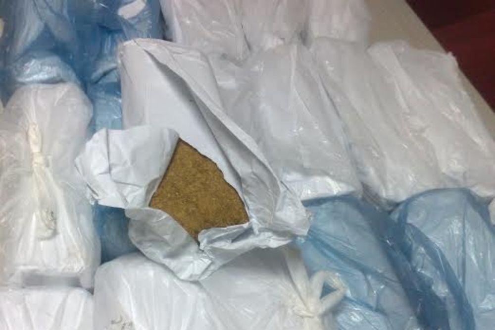 SREMSKA MITROVICA: Zaplenjeno 400 kg rezanog duvana