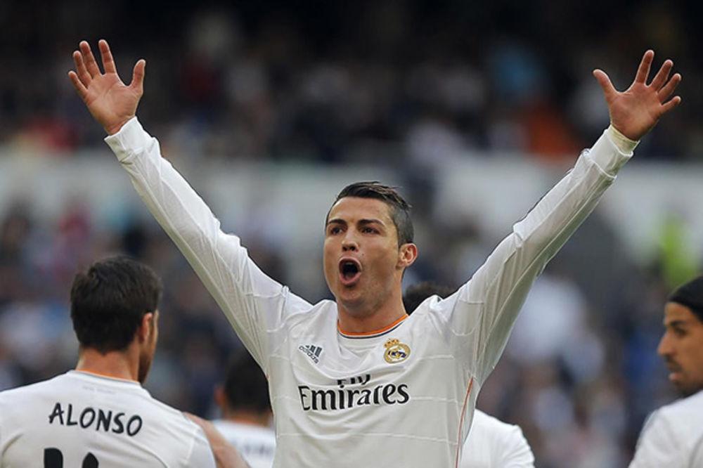 AMERIKANCI TVRDE: Ronaldo prelazi u Los Anđeles 2018.