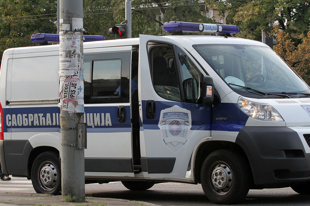 LUKOVSKA BANJA: Jugo se sudario sa kamionom, povređen vozač!
