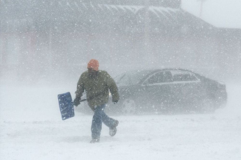 ISTOK SAD U BLOKADI: Više od 3.000 letova otkazano zbog snežne oluje