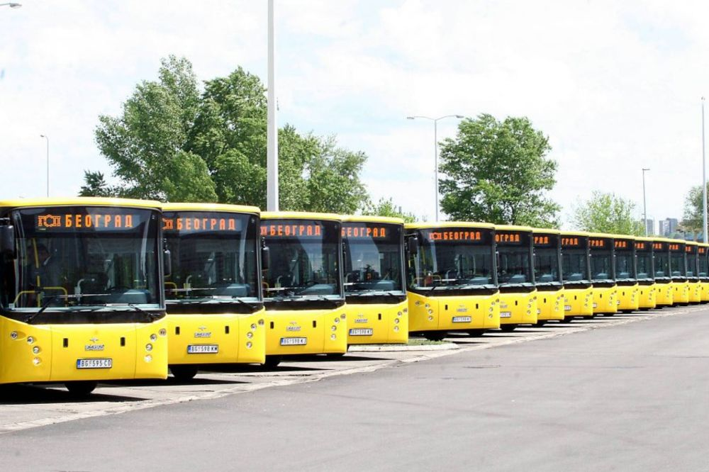 MUKE GRADSKOG PREVOZNIKA: GSP autobuse noću parkira na ulici