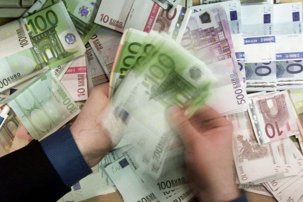 Kurs evra danas