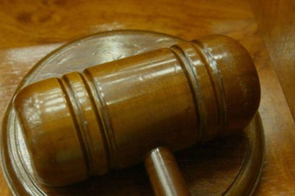 DEDI IZ PAKLA 4 GODINE ROBIJE: Hrvat (58) godinama silovao dve unuke!