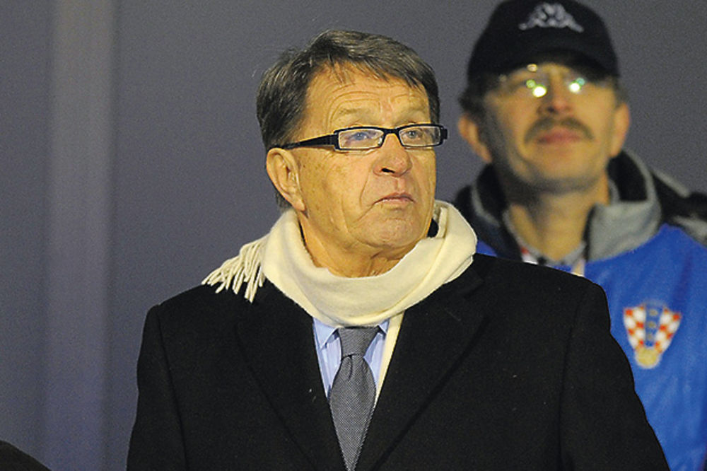 ĆIRO RASTUŽIO TUZLU: Odlazim, nisam ja mali miš!