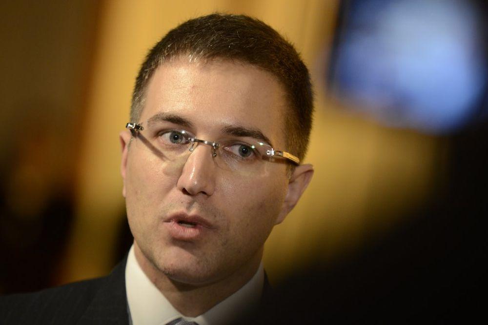 STEFANOVIĆ O NAMERAMA HAGA: Nije reč o Šešelju već pokušaju da se Srbija oslabi