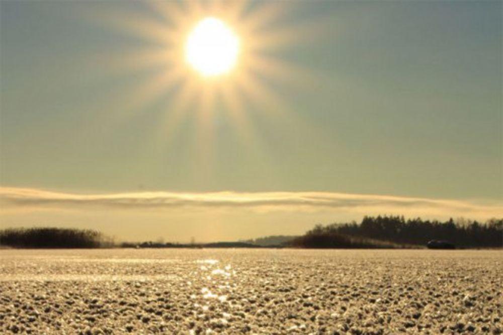 Najzanimljiviji prirodni fenomeni - Page 2 Smrznuto-cvece-foto-redit-1390122838-430245
