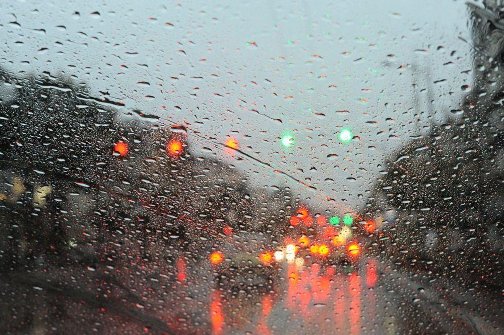 Saobraćaj u Beogradu usporen zbog kiše
