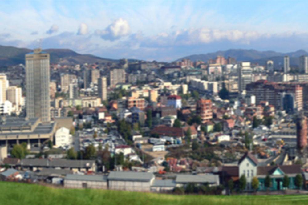 Kamenovana ambasada Crne Gore u Prištini