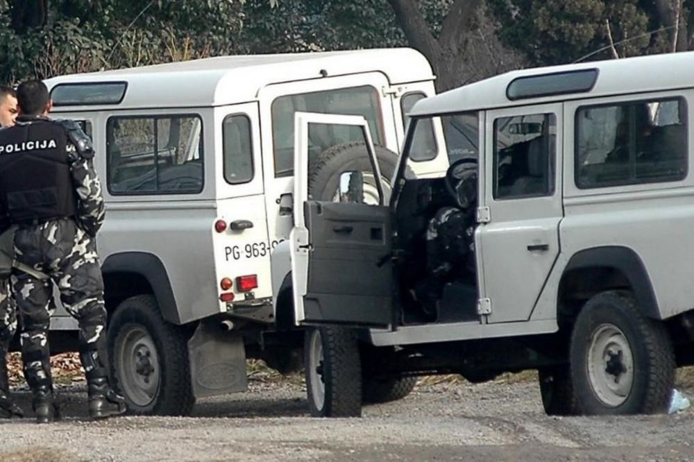 SAOBRAĆAJKA KOD MANASTIRA MORAČA: Četvoro povređenih u sudaru kamiona i automobila!