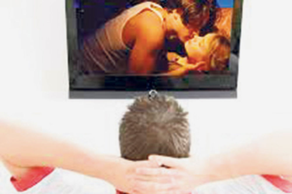 ŠTA SE ZAPRAVO DEŠAVA: 5 stvari koje se događaju samo u porno - filmovima