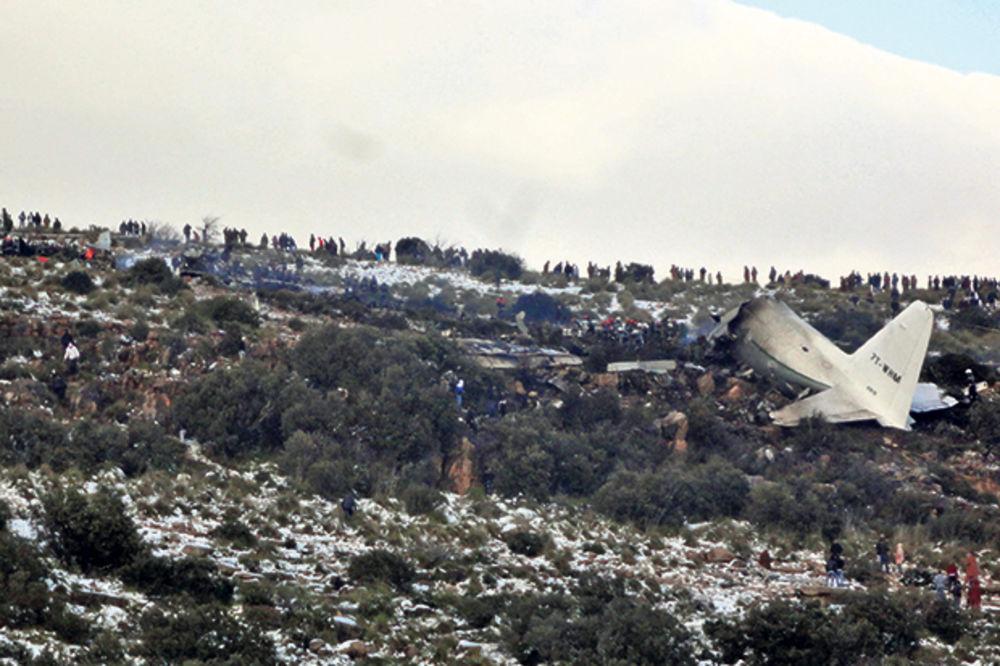 SRUŠIO SE AVION: Poginuli turisti iz Britanije i Španije