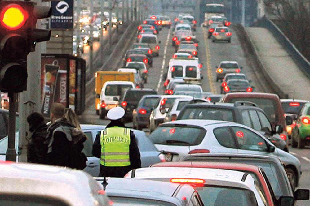 Saobraćaj blago pojačan na prilazu Beogradu!