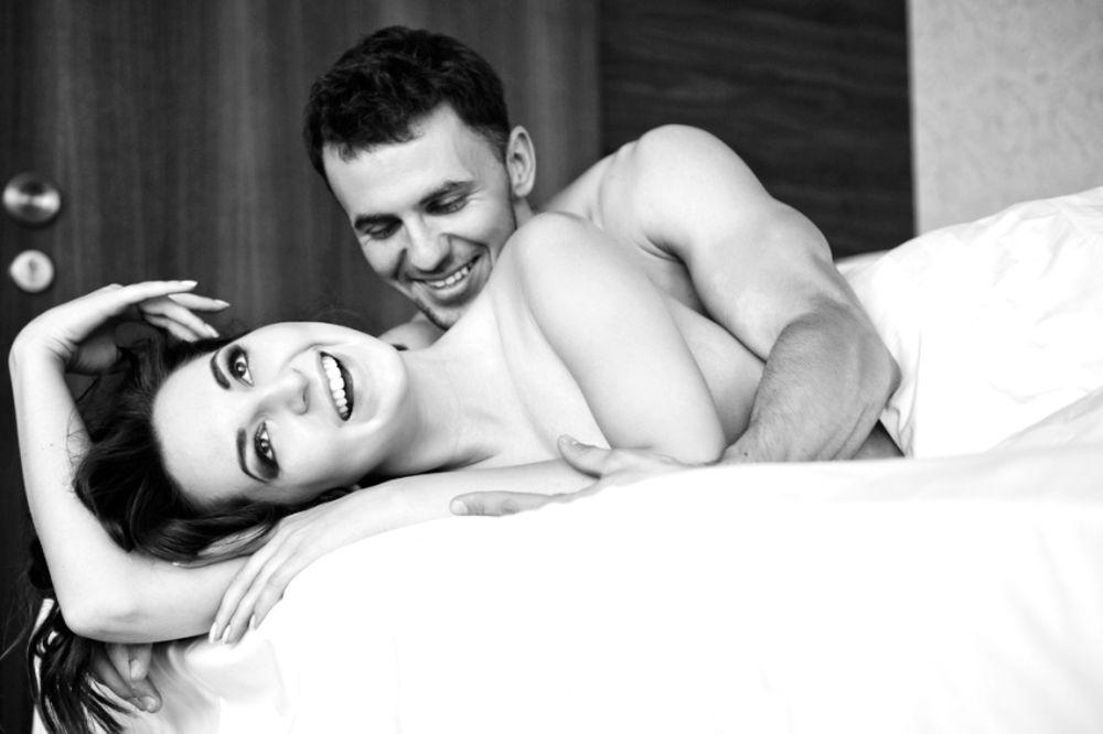 Šta muškarac zaista primeti tokom prvog seksa sa novom partnerkom?