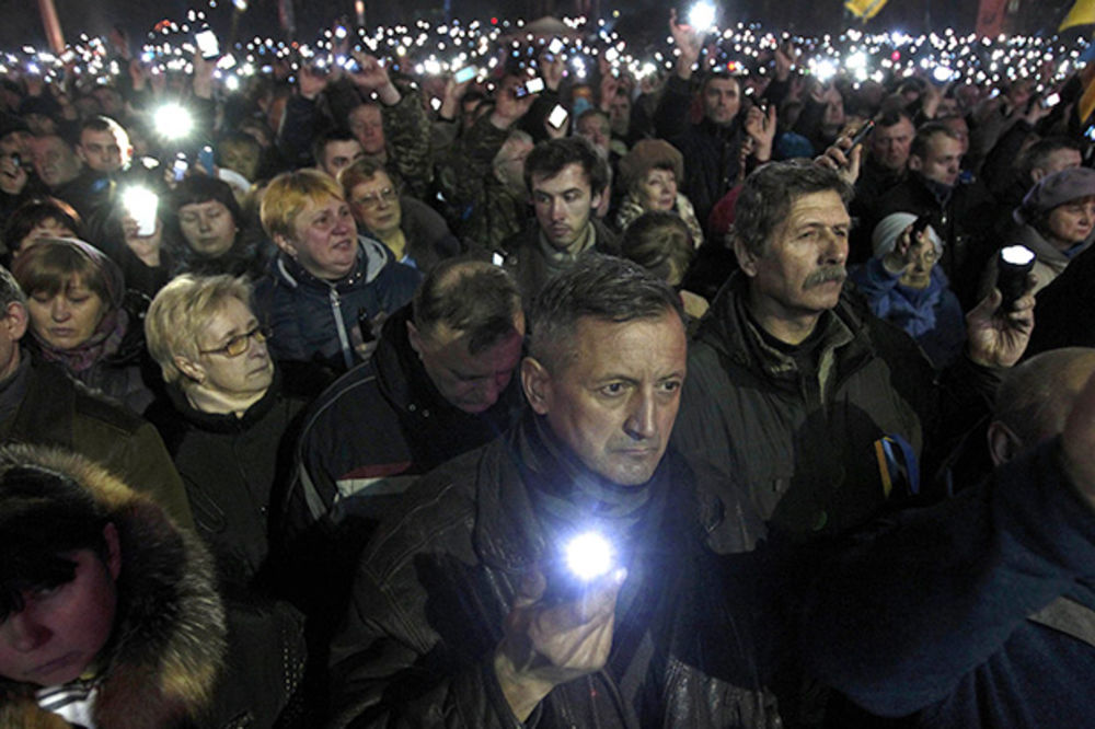 Prevladao razum: emonstranti na Trgu Majdan u KIjevu