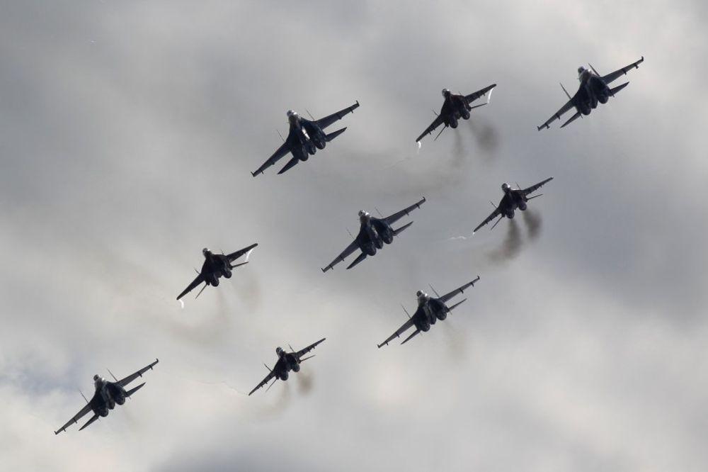 AMERIKA PROTIV RUSIJE: Ko bi dobio konvencionalni rat - detaljan prikaz vojne mašinerije!