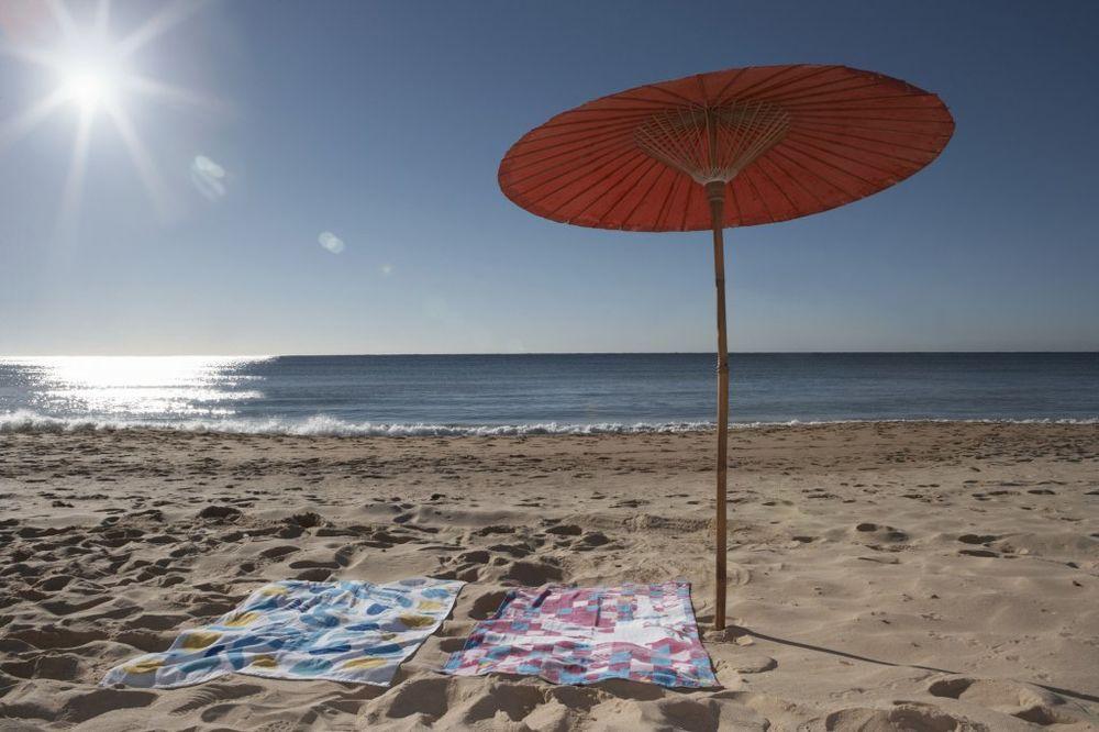 KRALI PO SLOVENSKOJ PLAŽI: Smederevci pljačkali turiste čim odu da plivaju