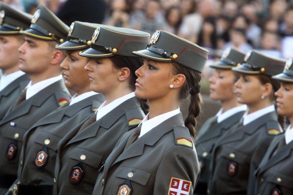 (VIDEO) PARADA: Vojska maršira ispred Palate Srbija?
