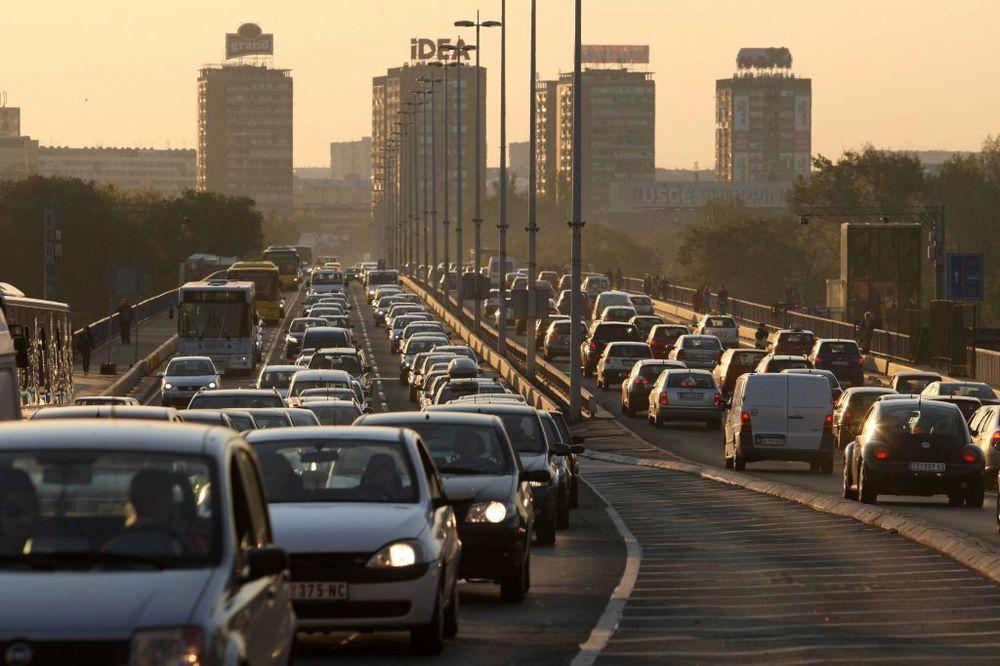 BUDITE STRPLJIVI: Popodne se očekuje pojačan saobraćaj, kolone i gužve