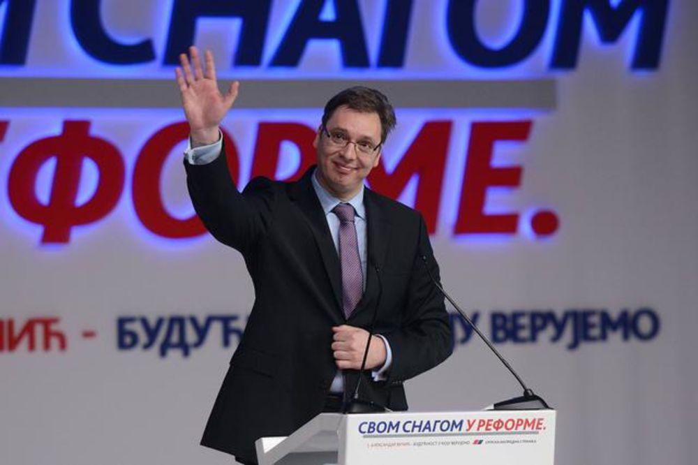 Vučić: Ne dam da se dira u penzije!