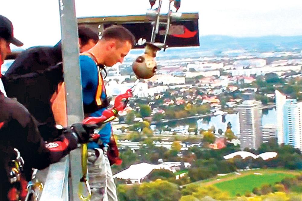 Daniel Kajmakoski voli bandži: Skočio sam na glavu sa 174 metra!
