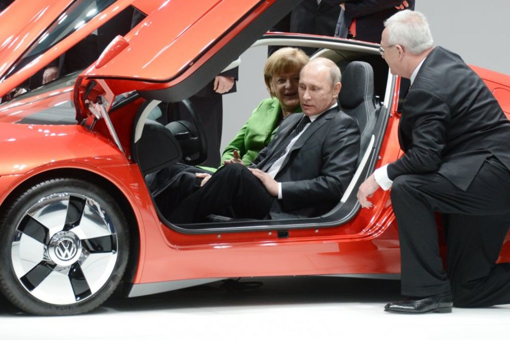 Merkelova i Putin: Dobri međudržavni i lični odnosi               Foto AP
